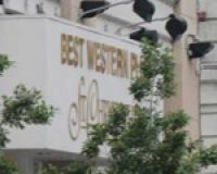 Embassay Suites